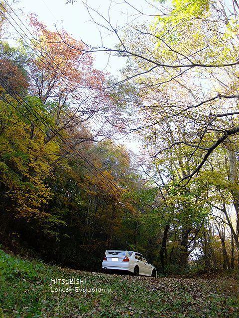 2011.10.18.長野原倉渕線の紅葉とランエボ5.jpg